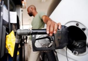 عربستان قیمت بنزین را ۸۰ درصد گران می کند