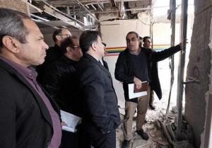 آخوندی: قیم مردم برای بازسازی مناطق زلزله زده نیستیم