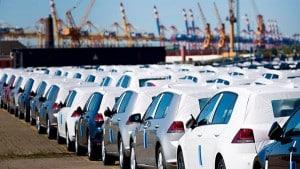 رشوه ۵ میلیونی توسط واسطهها برای واردات خودرو!