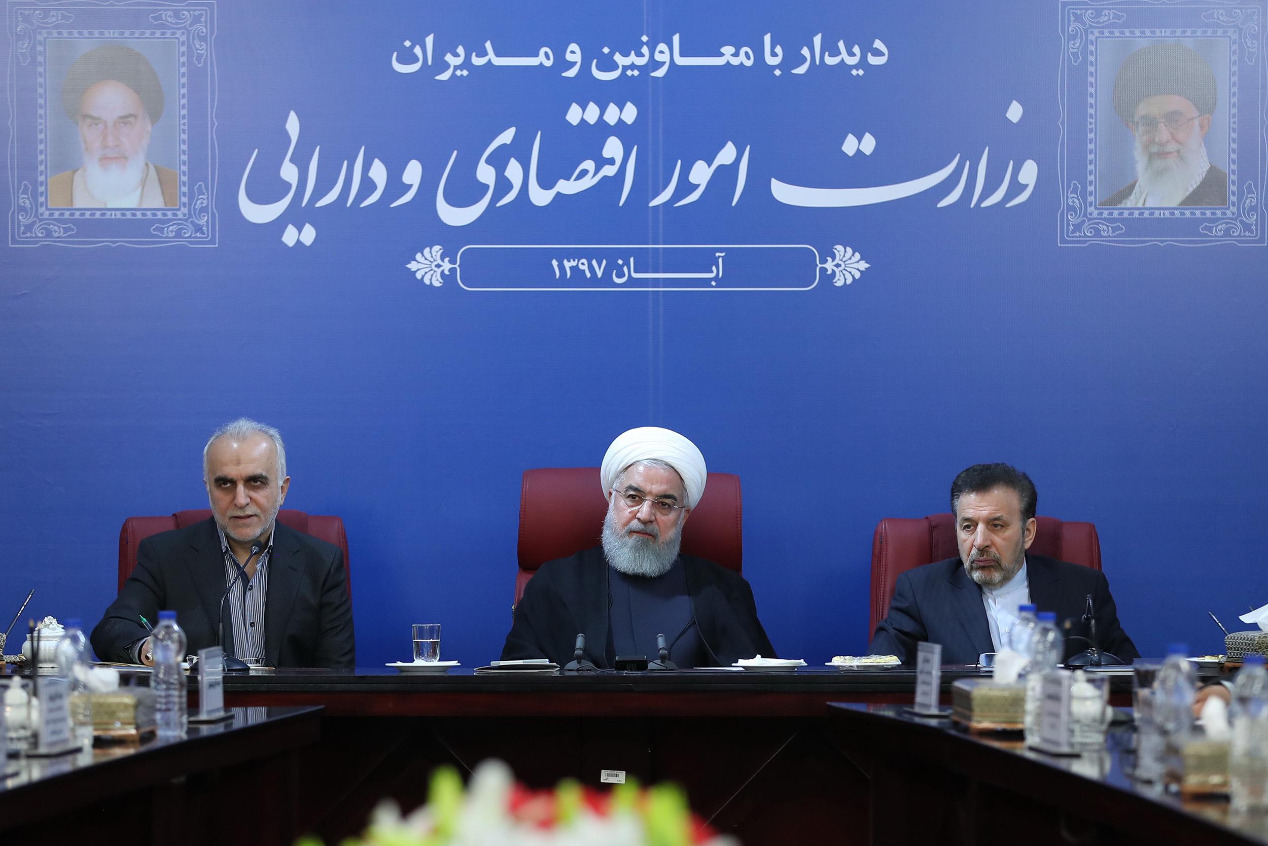 138249 338 - روحانی:دستگاهها بخاطر منافع دنیوی، تبادل اطلاعات نمیکنند/با افتخار تحریم آمریکا را دور میزنیم