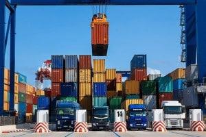 ایجاد ممنوعیات صادرات به دست ناآشنایان حوزه صادرات