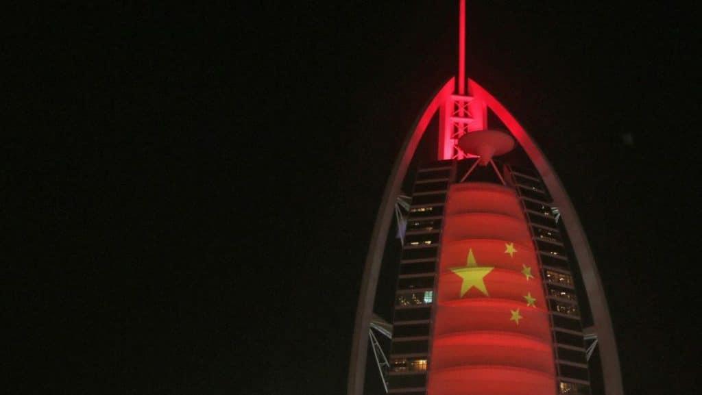حمل درب به درب چین به دوبی یکی از بهترین انتخاب ها برای واردات کالا است.