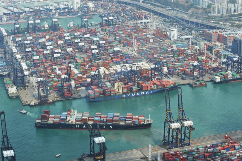 هنگام حمل دریایی از چین خودمان کارگزار پیدا کنیم یا همه چیز را به تامینکننده بسپاریم؟